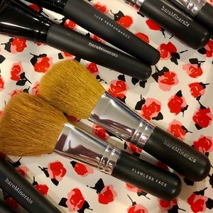 Bare minerals Flawless Face Brush
